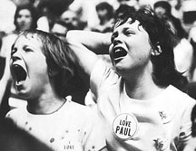 Beatles In Seattle 1964 - fans